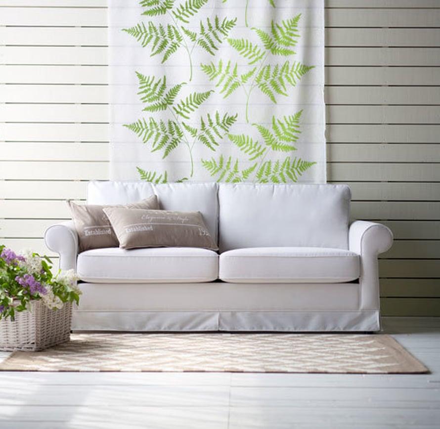 <p><p>Ulrika-sohva on muotoilultaan romanttisen tyylin ystävälle sopiva löhöilypaikka. 2-3 hengen sohvassa on pestävät istuin- ja selkänojatyynyt, 859 e, Isku.</p></p>