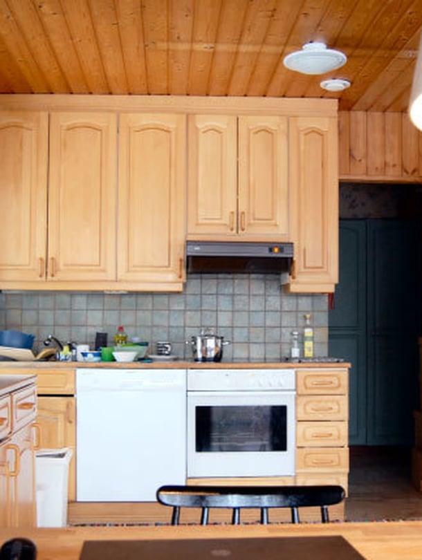 <p><p>70-luvun omakotitalon keittiö vaati täydellistä muutosta. Keittiöön haluttiin valoa, avaruutta ja selkeyttä. </p></p>