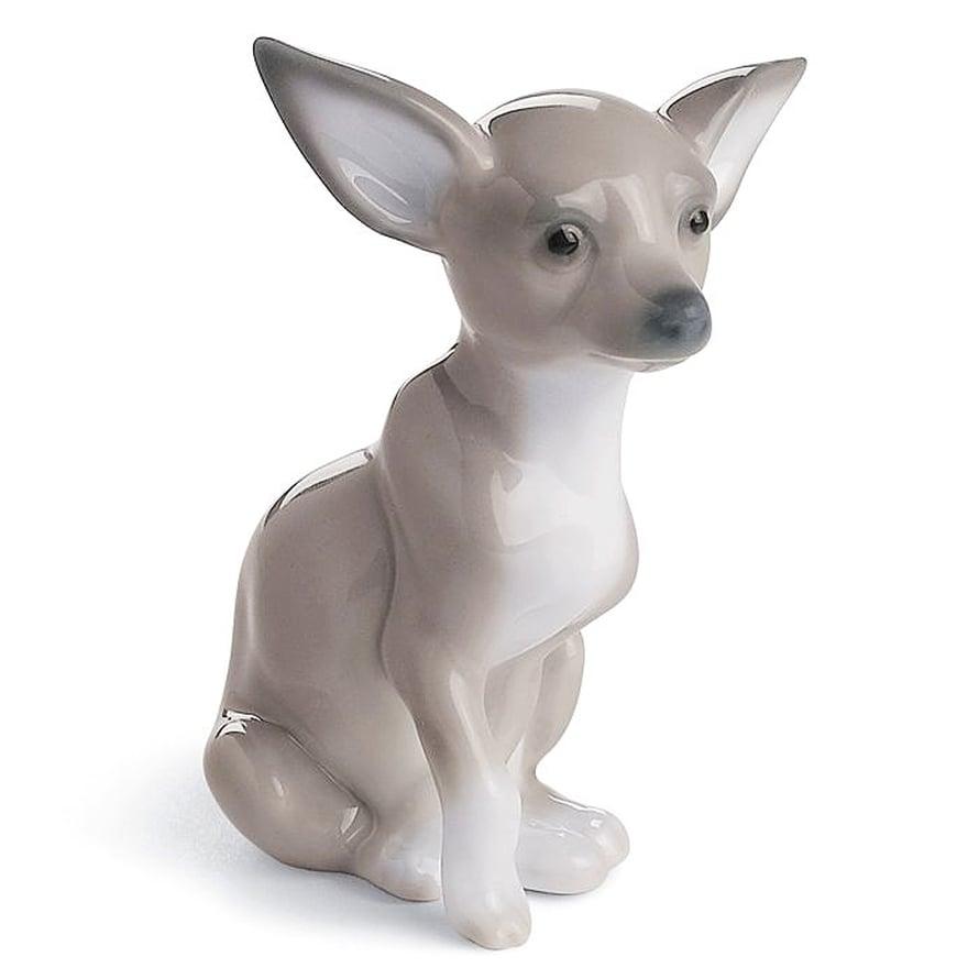 Posliiniesineetkö juntteja? Ei ainakaan Lladron suloinen chihuahua, korkeus 7 cm, 90 e, Royaldesign.fi.