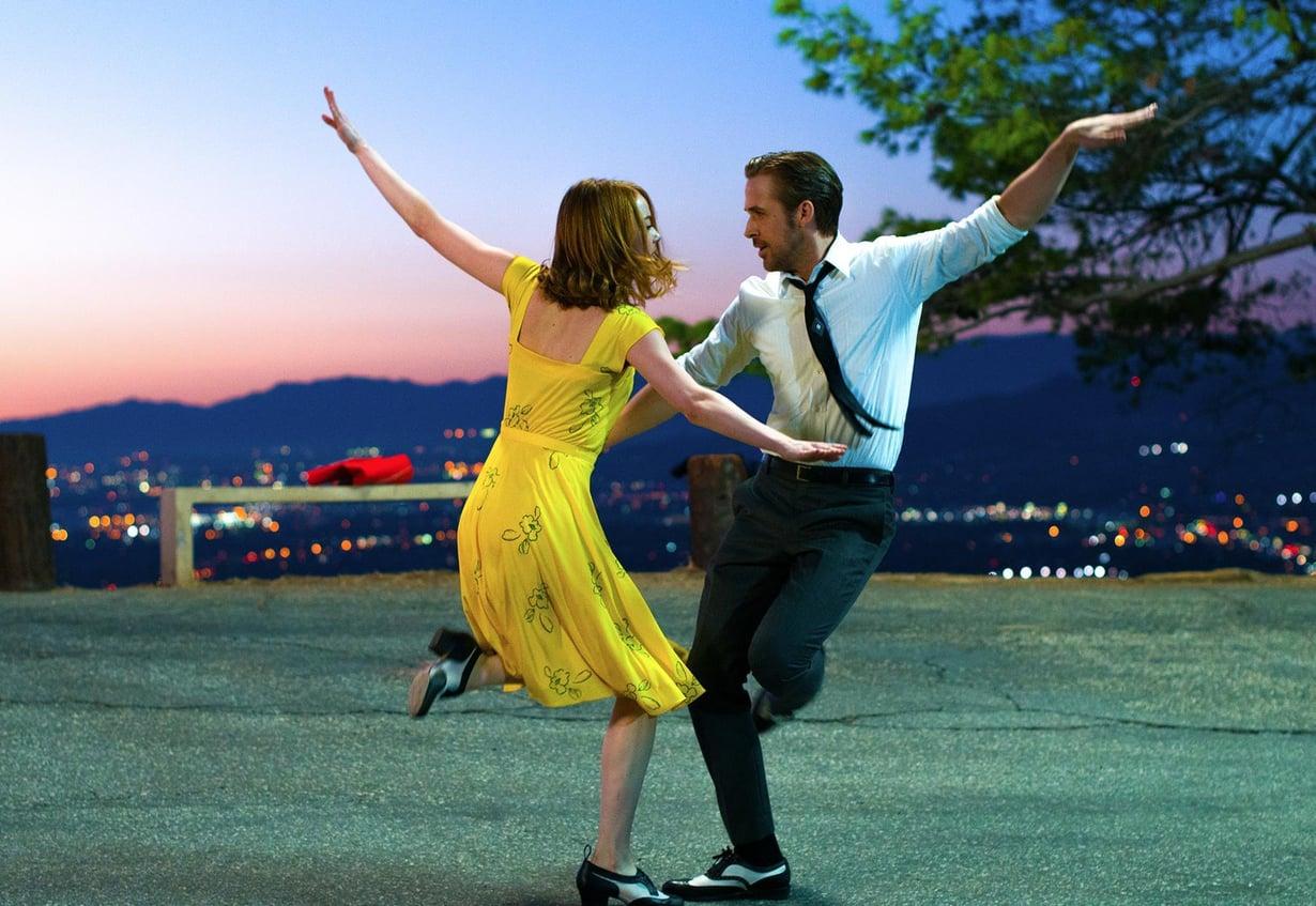 La La Landin on ohjannut Whiplash-elokuvasta tuttu Damien Chazelle.