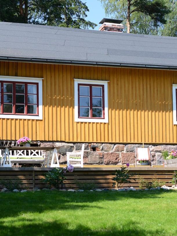 Villa Tallbo Espoossa, rakennusaika 1800-luvun jälkipuoli. Torpassa oli alun perin kaksi huonetta ja tulisijaa sekä kylmä maapohjainen osa kotieläimille. Torppaa laajennettiin 1910- ja 1920-luvuilla. Asuinneliöitä on 120. Talo on maalattiin perinteisellä keltamultamaalilla.