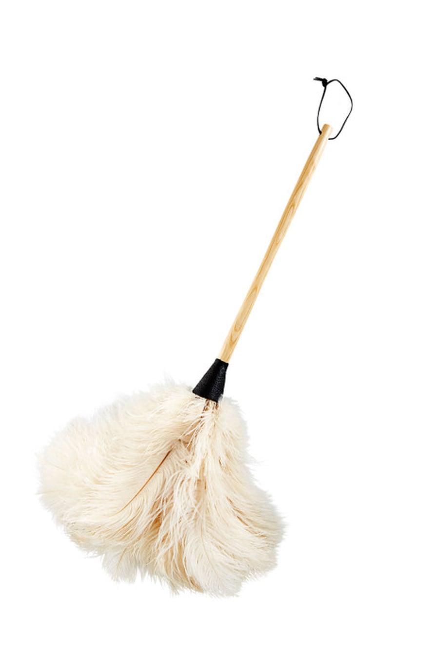 Strutsinsulista tehty pölyhuiska on tyylikäs siivousväline 19,90 e.