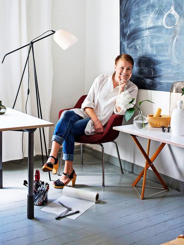 Katriina Nuutinen on muotoilija ja lasitaiteilija.
