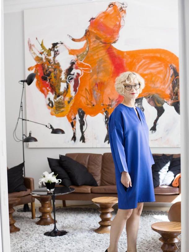 Ele hankki Célinen mekon vuosia sitten alerekistä New Yorkissa. Materiaali ja väri puhuttelivat. Käsikoru on Guardian of the Baltic Sean Pohjanlahti-kokoelmaa.