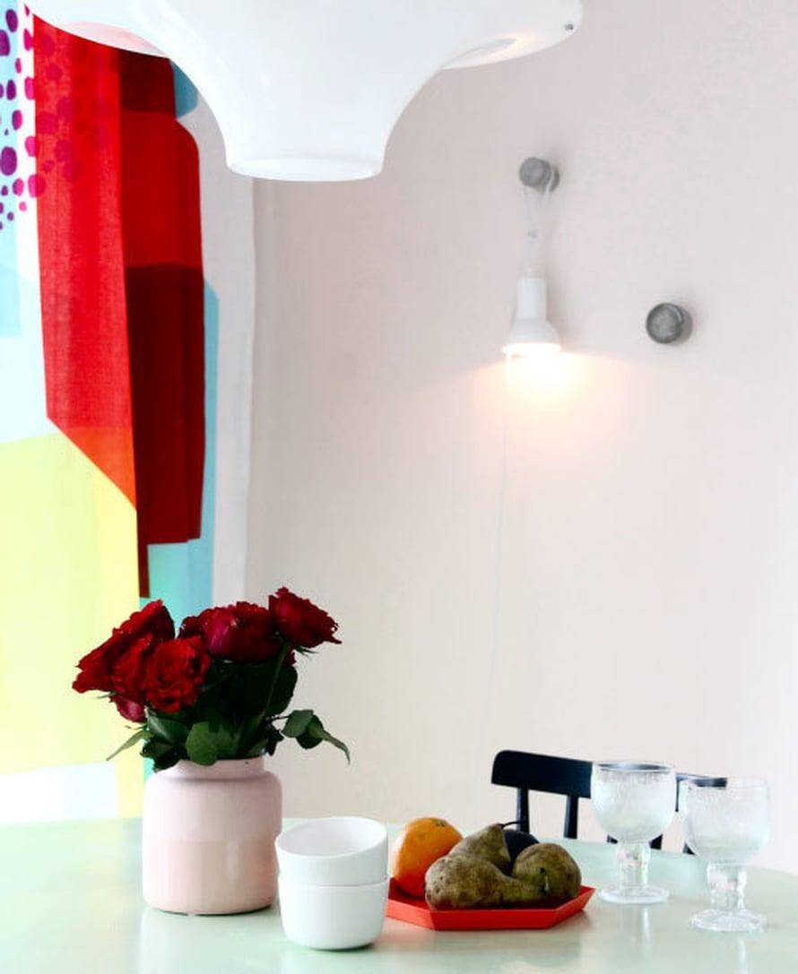 <p><p>Näin somalta keittiön seinä näyttää nyt!</p></p>
