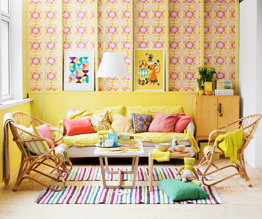 <p><p>Näin valoisa ja energinen tuli keltaisella sävytetystä olohuoneesta.</p></p>