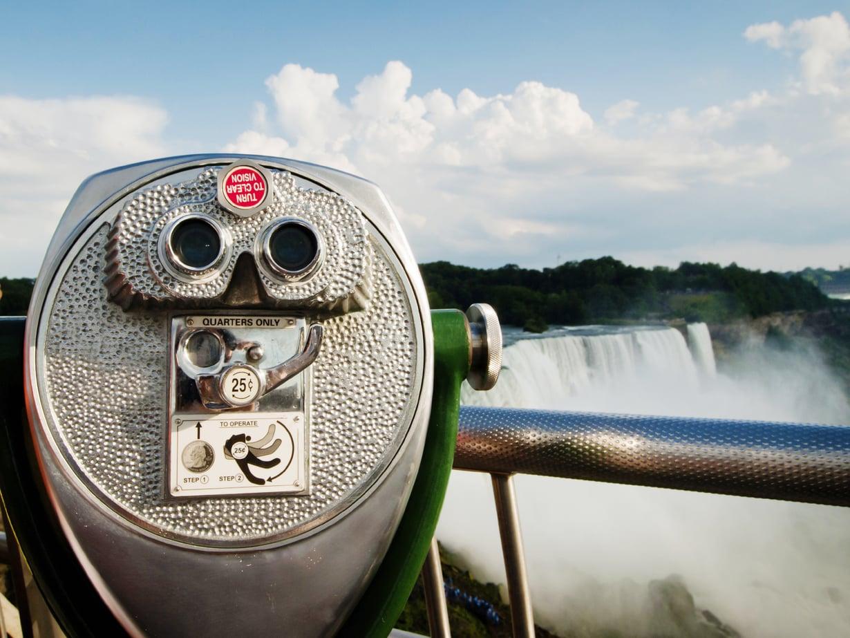 """Tämä ei ole kuntopyörä vaan Niagaran putousten """"kiikari""""."""
