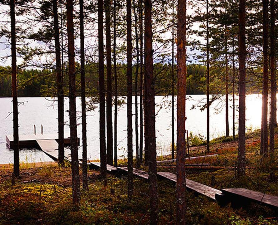 <p><p> Saunamökin terassilla istuskellessa voi ihailla näkymää Puruvedelle.</p></p>