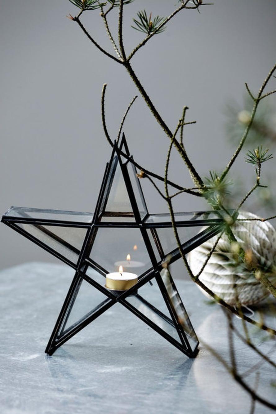 Tähti-tuikkulyhty sopii joulunajan pöytäkoristeeksi. Kuva ja lyhty: House Doctor