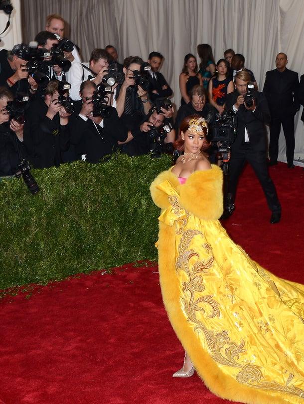 Rihanna Guo Pein upeassa asussa vuoden 2015 MET-gaalassa.