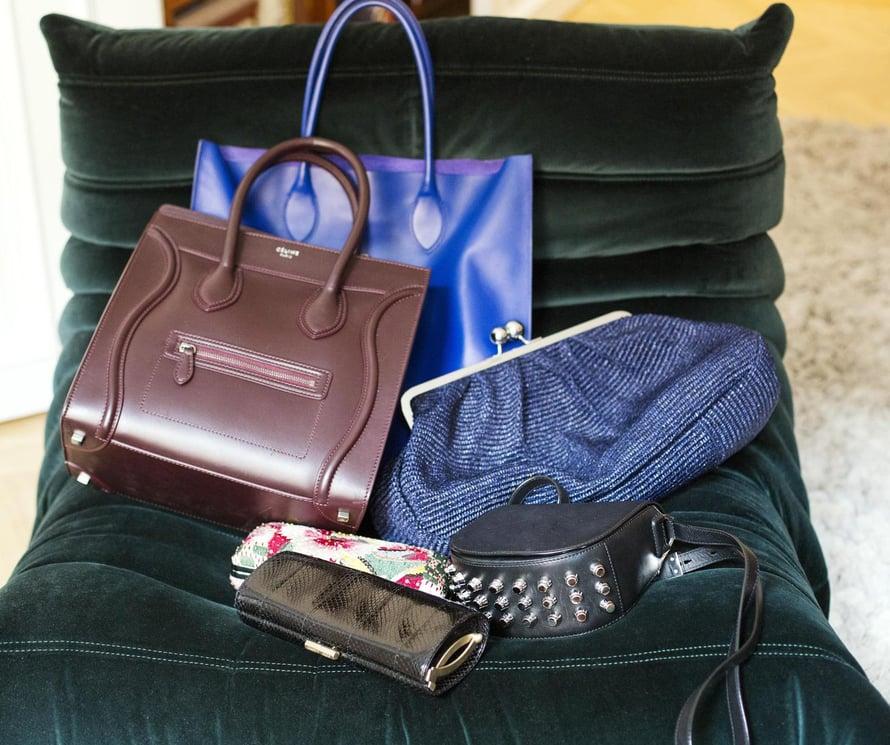 Elellä on kolmekymmentä laukkua, jotka sopivat eri tilanteisiin.  Lempivaatteet ovat rekillä Samujin kesähattu muistuttaa lämmöstä ja sointuu yhteen Hermèsin huivin kanssa.
