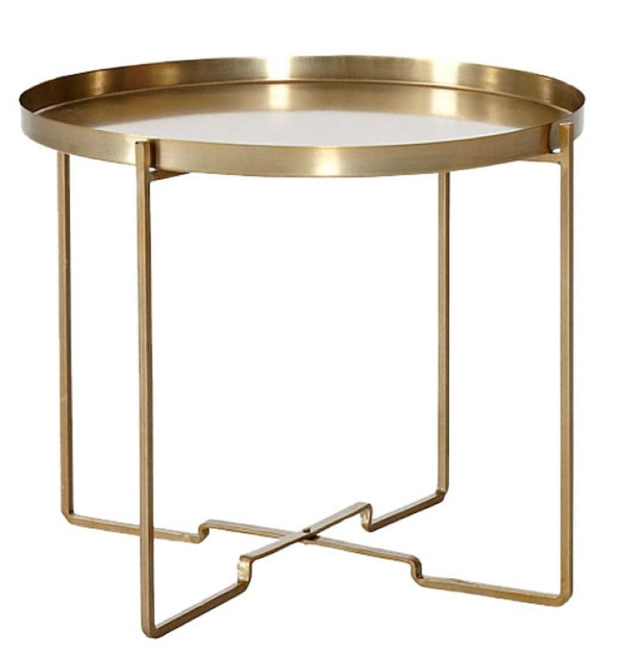 Messinginvärinen sivupöytä soveltuu juomatelineeksi sängyn vierelle, 69 e, Ellos.