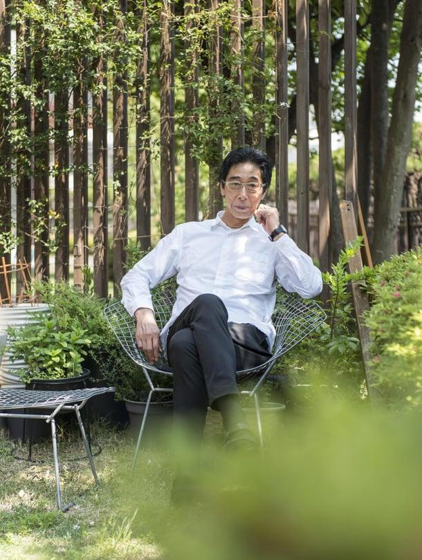 Harry Bertoian sinkitty Diamond-tuoli on yksi Mujin pääjohtajan Masaaki Kanain lempiesineistä, ja hän on sijoittanut sen suosikkipaikkaansa pihalla.