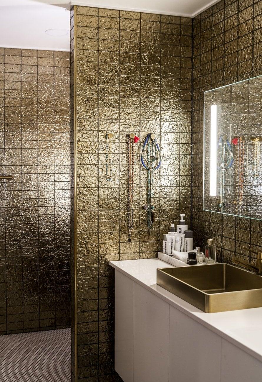 Kultainen kylpyhuone oli Mian pitkäaikainen unelma.