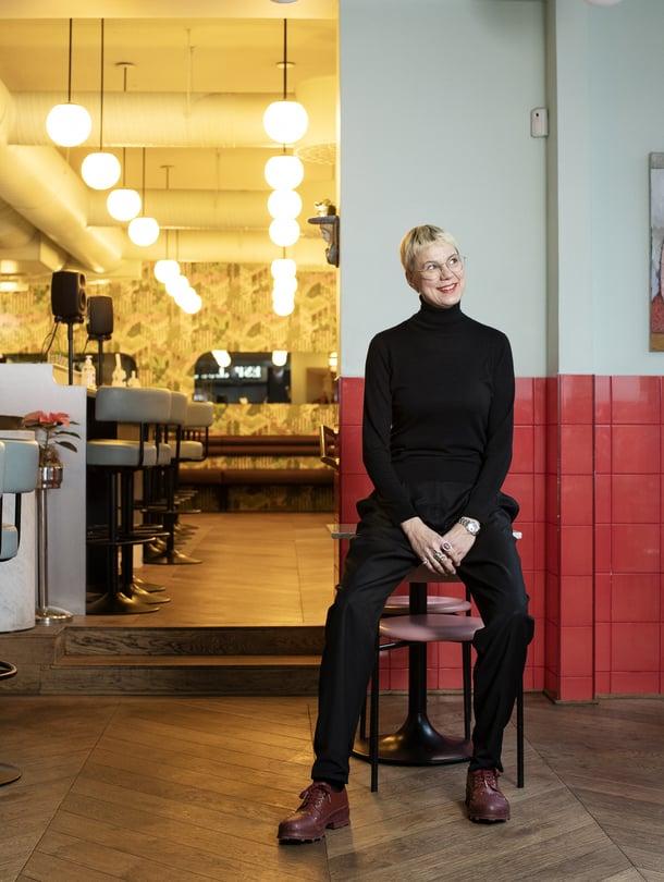 Aino Brandt ja suunnittelutoimisto Koko3 ovat luoneet esimerkiksi helsinkiläisen ravintola Yes yes yesin ilmeen.
