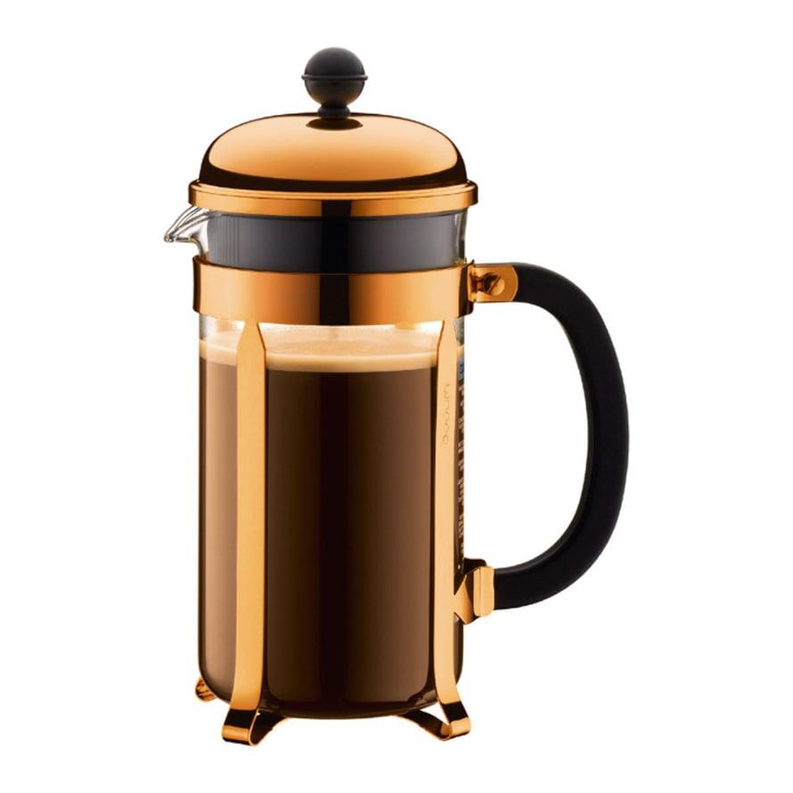 Aamukahvi on must! Ja tumma kahvi tarjoillaan mielummin koreasta pannusta kuin normikeittimestä. Bodumin Chambord-pressopannu 54 e, Formverk.