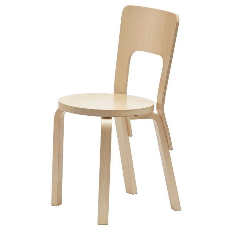 Tuoli 66 on monille tuttu päiväkodeista ja kirjastoista. Ehkä se on juuri siksi niin viehättävä, koska se on kuin vanha ystävä. Tuoli sopii monenlaisiin sisustustyyleihin ja sen ulkomuotoon vaikuttaa vahvasti väri. Koivunvärinen tuoli on hip, musta on rock ja valkoinen on cool. Vintage-version hinnan määrää ikä eikä kunto; mitä vanhempi sen kalliimpi tuoli. Hintahaitari on 150-300 e. Koivunvärinen tuoli maksaa uutena 275 e, Artek.
