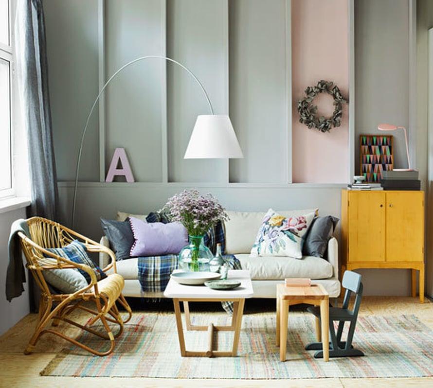 <p><p>Harmalla ja muutamalla pehmeällä sävyllä väritetty olohuone on näin seesteinen, olematta kuitenkaan tylsä.</p></p>