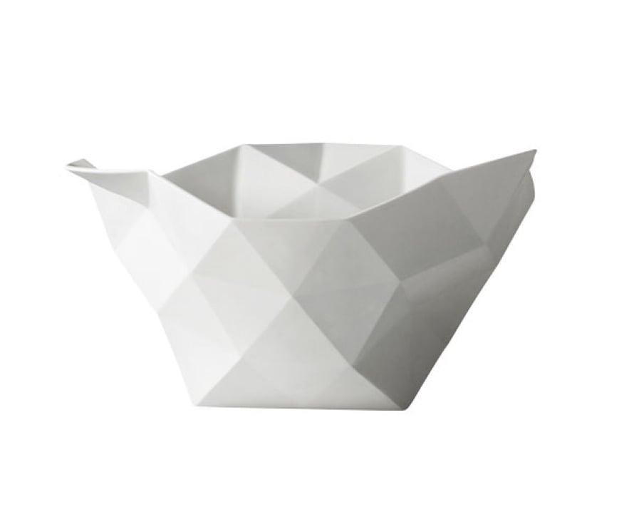 Muuton Crushed-kulho sopii graafisen tyylin ystäville, 78 e, Scandinaviandesigncenter.fi.