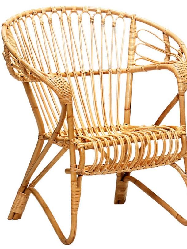 """Sokevan Lumikenk&auml;-tuoli on kes&auml;m&ouml;kkien ikiklassikko, 359 e, <a href=""""http://www.annansilmat-aitta.fi/"""">Annansilm&auml;t-aitta</a>."""