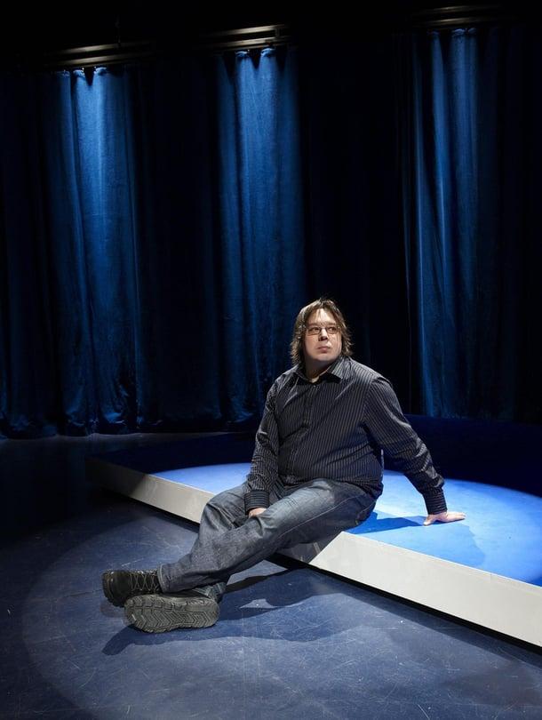 Juha Jokela tietää, että teatterissa on oikeasti taikaa.