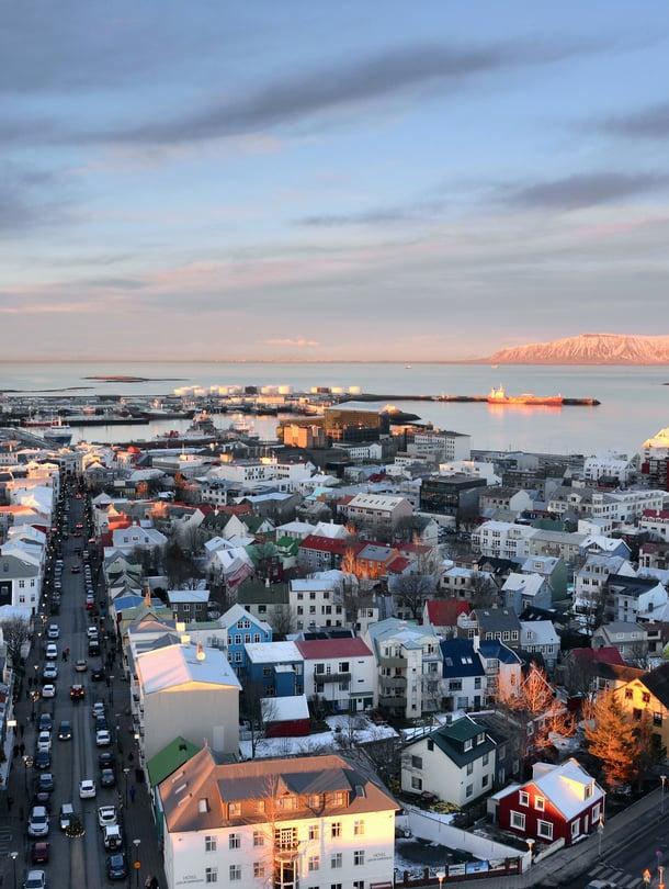 120 000 asukkaan Reykjavikiin tutustuu kävellen parissa tunnissa.