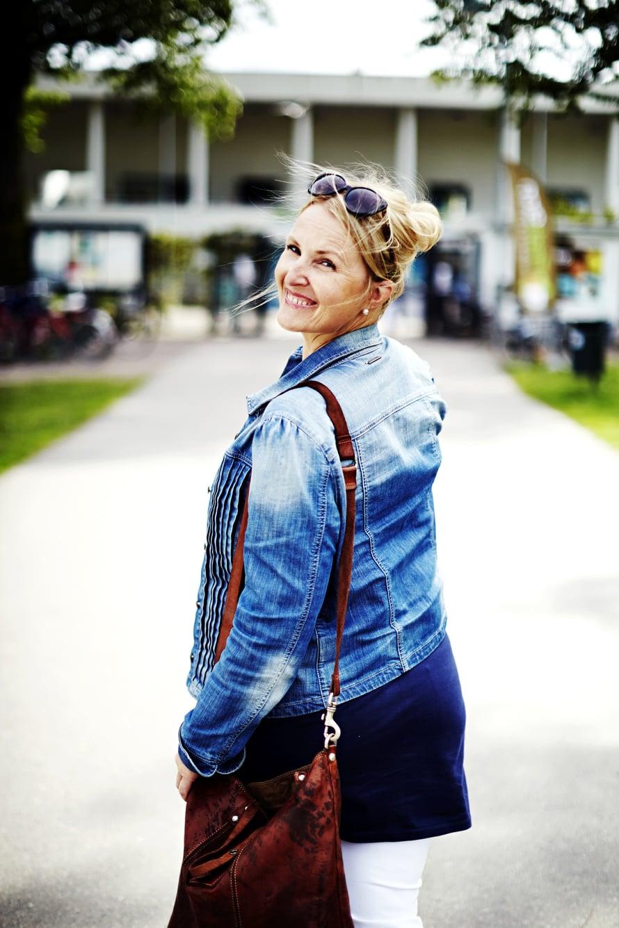 Laura Ruohola on tuttu muun muassa tv-ohjelmista Suomen kaunein mökki ja sisustusohjelma T.i.l.a.