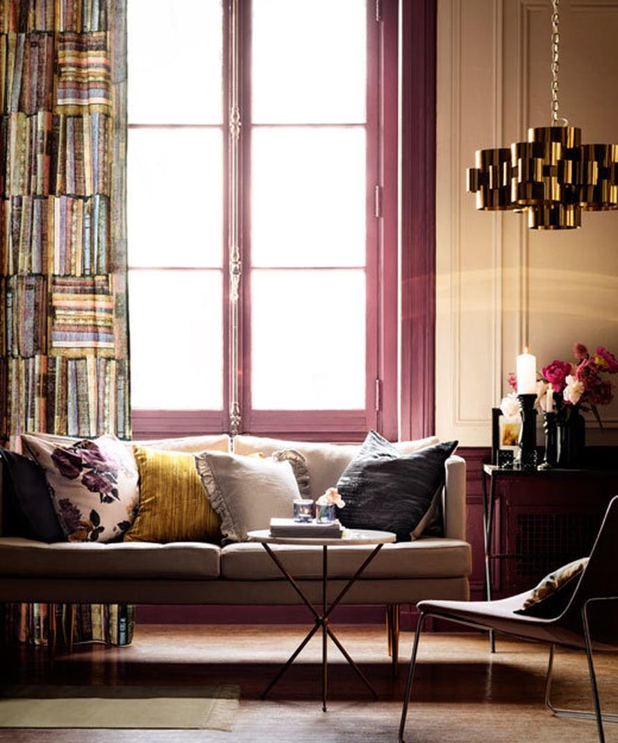 <p><p>Syksyiset murretut värit toistuvat kauniisti tässä H&M Homen uutuusverhossa. Kuva: H&M Home</p></p>